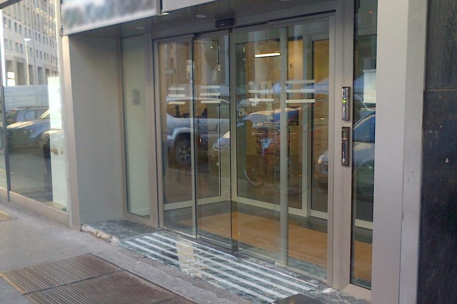 sistema porte interbloccate interlocking doors security portal & Interlocking doors system - Solutions - CoMETA S.p.A. ...